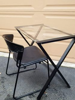 Metal Glass Work Table / Computer Table And Computer Chair/ Vanity Desk for Sale in Everett,  WA