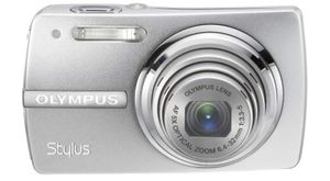 Olympus Stylus 820 8MP Digital Camera with 5x Optical Zoom (Silver) for Sale in Hacienda Heights, CA