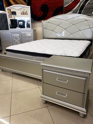 4 pcs king bedroom set... $49 down payment... Price $1198 ... Financing is available for Sale in Las Vegas, NV