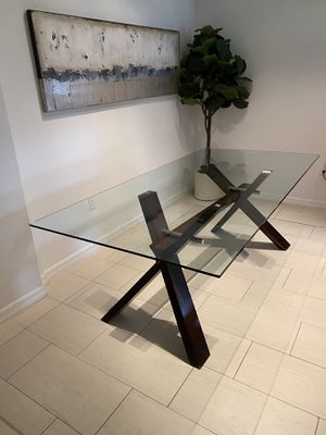 Glass top dining room table - Must pick up for Sale in Pembroke Pines, FL