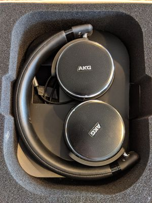 AKG noise cancelling Headphones N60NC wireless Bluetooth for Sale in Phoenix, AZ