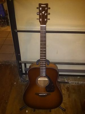 Yamaha FG-700S SDB acoustic guitar with roadrunner padded gig bag and accessories for Sale in Denton, TX