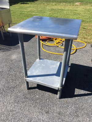 24 x 24 x 34 Stainless Steel Table w Metal Undershelf for Sale in Wellsville, PA