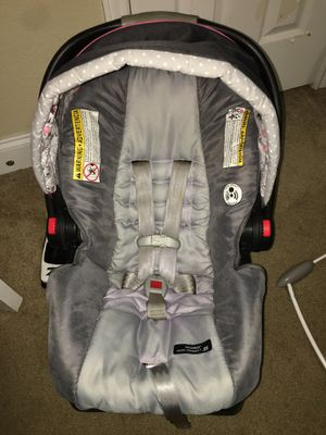Graco click connect car seat and base for Sale in Plano, TX