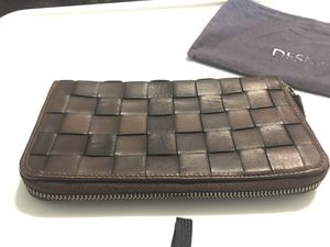 Desmo Italian made Leather Wallet dark brown w/ top zipper weave pattern for Sale in Derby, CT