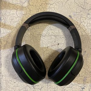 Xbox One - Turtle Beach 800x Premuim Wireless Headset for Sale in Monroe, MI