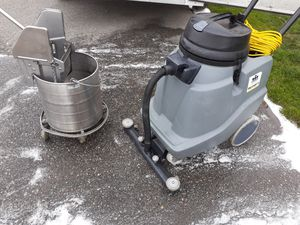 Dry Vacuum for Sale in West Richland, WA