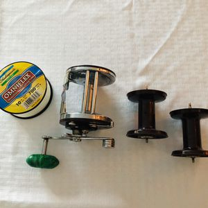 VINTAGE PENN JIGMASTER 500 FISHING REEL & 2 XTRA REELS FISHING LINE 🎣🐠🐟 for Sale in Scottsdale, AZ