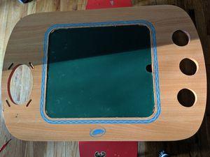 Crayola kids desk n chairs for Sale in Metuchen, NJ