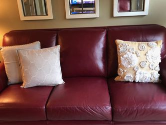 Leather Couch for Sale in Kirkland,  WA