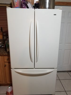 Whirlpool appliances almond color for Sale in Miami, FL