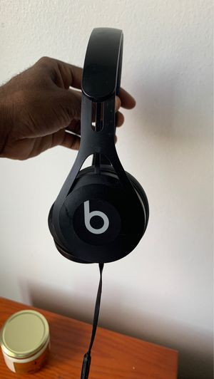 Beats headphones for Sale in Cleveland, OH