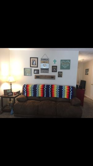 Reclining Couch for Sale in Murfreesboro, TN