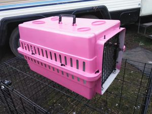 Small Pink Cat/Dog Carrier/Kennel for Sale in Everett, WA