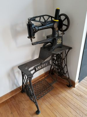 Singer 29-4 Sewing Machine made in 1912 for Sale in Chicago, IL