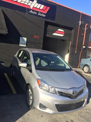 TOYOTA YARIS 2013 for Sale in Miami, FL