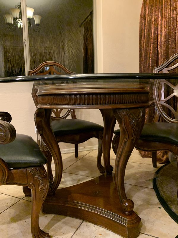 Thomasville glass topped kitchen/dining pedestal table set with chairs
