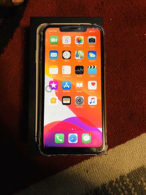 iPhone 11 X max for Sale in Kansas City, KS