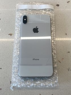 iPhone XS Max Silver (Unlocked) for Sale in San Diego,  CA
