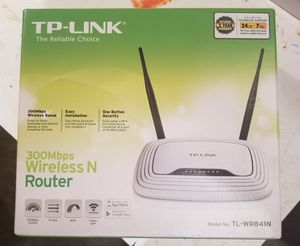 TP-Link 300 MBPS wireless router for Sale in Portland, OR