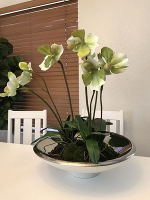 Huge orchids plant fake but real looking flower - plant for Sale in Peoria, AZ