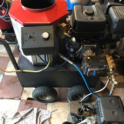 13 hp electric start 3500 psi 250° hot water pressure washer for Sale in Las Vegas,  NV