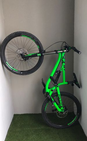 Scott VOLTAGE 720 Downhill Bike MINT condition for Sale in Miami, FL
