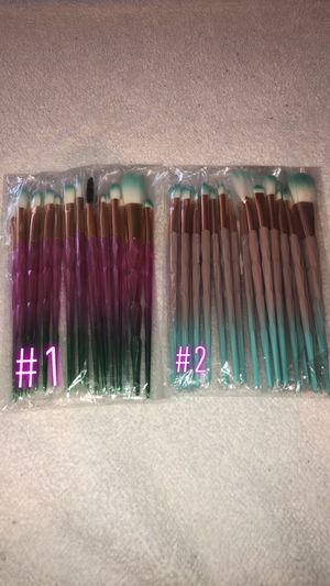 Makeup brushes sets for Sale in Pixley, CA
