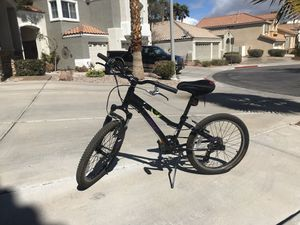 "Trek Girls Mountain Bike 20"" - 6 Speed - Very Good Condition for Sale in Henderson, NV"