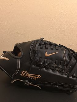 Nike Diamond Elite Baseball Glove for Sale in Garden Grove,  CA