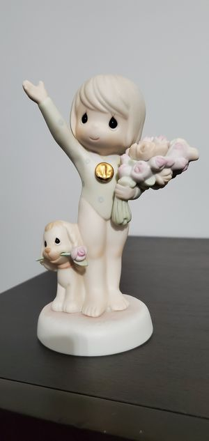 Precious moments- 1997 Limited Edition Frequent Buyer Figurine- God Bless You with Bouquets of Victory for Sale in Stickney, IL