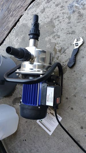 Electric water pum0 for Sale in Los Angeles, CA