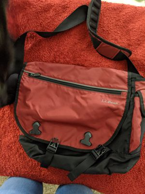 L.L. Bean Crossbody Bag for Sale in Hacienda Heights, CA