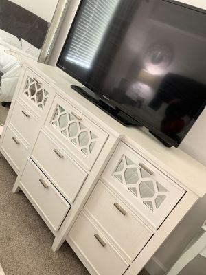 City Furniture White Mirrored Dresser for Sale in VLG WELLINGTN, FL