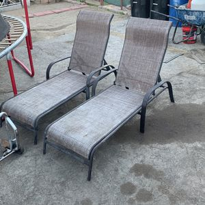 Pool Side Chairs for Sale in Los Angeles, CA