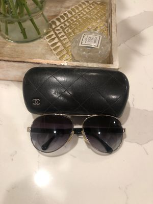 Chanel Aviator Sunglasses for Sale in Los Angeles, CA