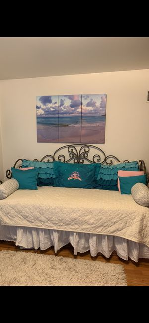 Daybed with trundle for Sale in Hays, KS