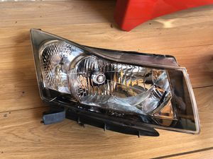 2011-2015 Chevy Cruze right headlight oem for Sale in Dallas, TX
