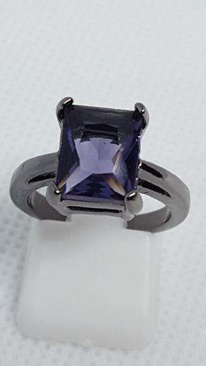 New size 6 emerald-cut purple and black ring for Sale in St. Louis, MO