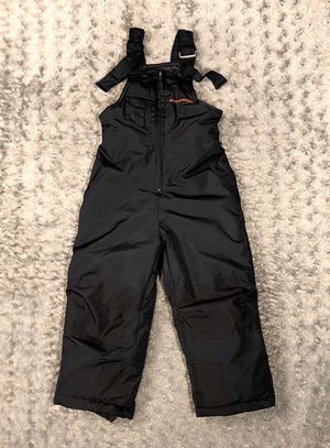 Boys Weatherproof Snow Suit paid $28 Size 4T Like New Condition! No rips, tears, or stains or discolouration. Great heavyweight Snow-Suit for low tem for Sale in Washington, DC