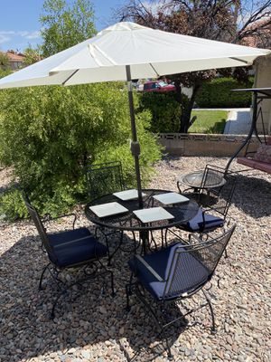 Gorgeous NEW AMAZING Sunbrella Patio Furniture set worth $600 for Sale in Las Vegas, NV