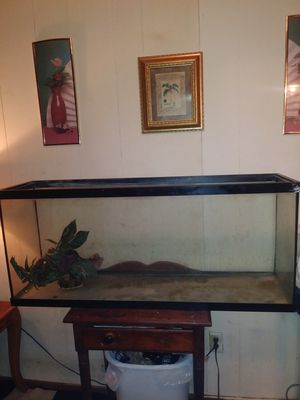 Fish tank for Sale in Gastonia, NC