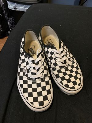 Size 6 women's checkered vans for Sale in Lakewood, WA