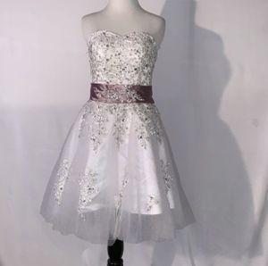 Beautiful $200.00 custom made Women's / teen Quinceanera dance party dress 👗 for Sale in Corona, CA