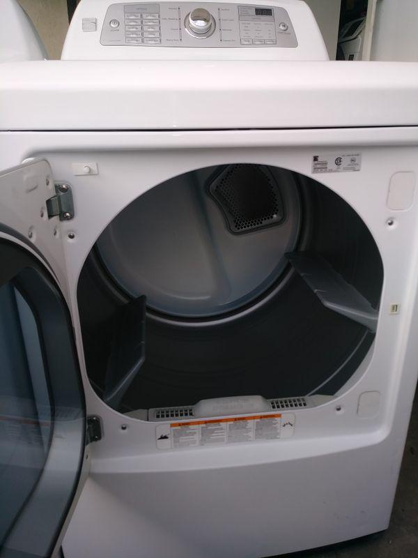 Maytag Bravos top load washer & gas dryer set