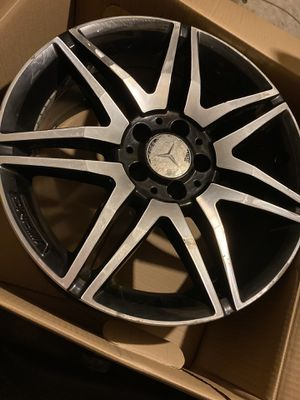 2 Mercedes rims ( AMG ) 18'' for Sale in Fall River, MA