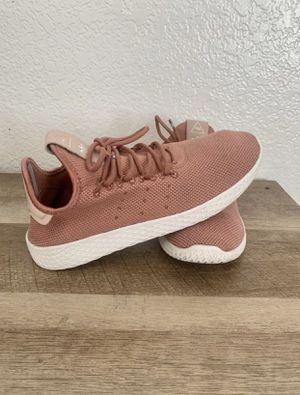 Women's Adidas Pharrell Williams Size 7. $50 OBO. Pick Up Only. Located Near Peach and Olive. for Sale in Fresno, CA