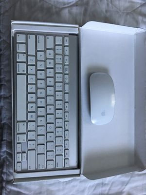 Apple wireless keyboard and mouse plus USB Super Drive for Sale in Tacoma, WA