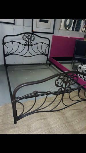 Queen Bed frame for Sale in High Point, NC