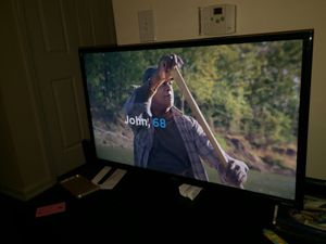 40 inch smart tv for Sale in Sugar Land, TX